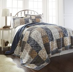 Laura 3 Piece Quilt Set