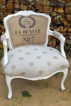 Eclectic Dining Chairs, Leather Dining Room Chairs, Accent Chairs For Living Room, Leather Chairs, Vintage Furniture Design, French Furniture, Shabby Chic Furniture, Furniture Dolly, Reupholster Furniture