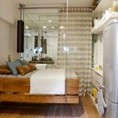 Caroline Elkis assina o charmoso Mini Studio, ambiente de 21m². Ela uniu sala de estar, cozinha, quarto e banheiro.