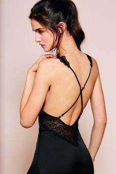 New collection: sensuality and black elegance in your nightdresses. Nueva colección #Otoño 2014 de @womensecret #autum #lencería
