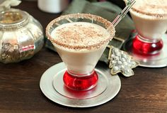 Chocolate Mint Liqueur, Vodka and Vanilla Ice Cream Shake--yes please. Let Jingle Bells start  ringing right now:)