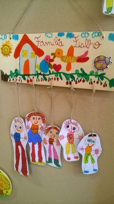 "Presentes para a Família: ""A Família, meu tesouro"" presentes deste ano para assinalar o dia da família . Kids Crafts, Family Crafts, Projects For Kids, Diy For Kids, Diy And Crafts, Arts And Crafts, Family Theme, Toddler Art, Elementary Art"