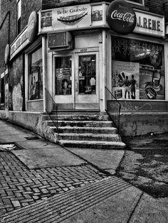 Un dep' de coin de rue.