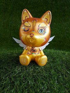 my golden angel, blinked eye... I knew why. #husky #huskyx3 #exhibition #gold #figure