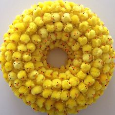 We have collected handmade Easter wreath designs that you can use to get inspiration for ideas from. For best DIY Easter wreath you can browse our list of best 55 DIY Easter Wreath Ideas For Door Decor Easter Wreaths, Holiday Wreaths, Diy Crafts For Adults, Easter Table Decorations, Diy Ostern, Easter Parade, Wreath Crafts, Wreath Ideas, Easter Celebration