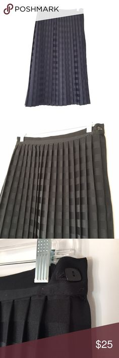 """Vintage Pleated Midi Skirt Vintage Pleated Midi Skirt. Brand is Kayo of California, made in the USA. 100% polyester. Size tag says 11/12 but measures as a Small, measurements: 29"""" around waist, 30"""" long. 113/100/112716 Kayo California Skirts Midi"""
