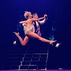 Julianne and Derek Hough: 2014 Move Live on Tour Derek And Julianne Hough, Derek Hough, Kellie Pickler, Ballroom Dance, Dance Ballet, Pole Dance, Star Pictures, Dance Pictures, Celebrity Workout