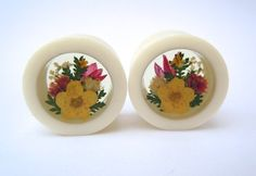 Hey, I found this really awesome Etsy listing at https://www.etsy.com/listing/169496329/bone-flower-plugs-gaugesyellow