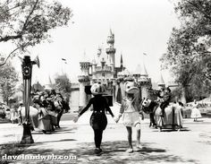 14.) This is what Disney crime scene photos look like.