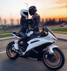 Motorcycle Couple Pictures, Biker Couple, Biker Love, Biker Girl, Cute Couples Photos, Cute Couple Pictures, Biker Photography, Bike Photoshoot, Motorbike Girl