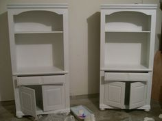 How to paint both laminate and real wood furniture while omitting the sanding step. Ill want this later.