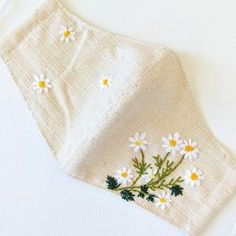 Hand Embroidery Videos, Embroidery Flowers Pattern, Hand Embroidery Designs, Ribbon Embroidery, Embroidery Art, Embroidery Stitches, Japanese Embroidery, Embroidered Flowers, Mask Design
