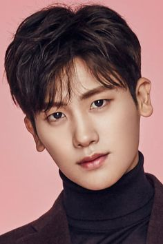 Do Bong Soon is a plucky young lady with an unusual gift. Park Hyung Sik, Yongin, Asian Actors, Korean Actors, Korean Dramas, Strong Girls, Strong Women, Park Hyungsik Cute, Park Hyungsik Strong Woman