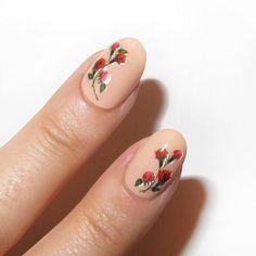 nude manicure with rose nail art Shellac Nails, Nude Nails, Nail Polish, Nail Nail, Glitter Nails, Acrylic Nails, Nail Designs Spring, Cute Nail Designs, Mani Pedi