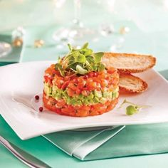 Salmon and Avocado Tartare – Appetizers and Soups – Recipes – Express Recipes – Pratico Pratique Ceviche, Tartare Recipe, Salmon Tartare, Seafood Appetizers, Dinner Party Recipes, Appetisers, Fish And Seafood, Light Recipes, Healthy Recipes