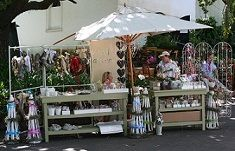 Wine-n-olive fest Christmas Market Stall, Market Stalls, Presents For Friends, Patio, Marketing, Outdoor Decor, Wine, Home Decor, Ideas