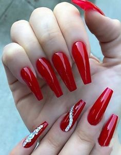 If you haven't tried the press-on nails give it a shot! It's beautiful durable and reusable nails at a fraction of salon prices. Sexy Nails, Prom Nails, Stiletto Nails, Long Nails, Cute Nails, Pretty Nails, 3d Nails, Square Nail Designs, Red Nail Designs