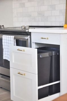 Are you thinking about kitchen remodel or simply interested in IKEA kitchen cabinets? This is an honest review on my own experience with IKEA kitchen cabinets after installed it one year ago… More Ikea Kitchen Organization, Ikea Kitchen Remodel, Ikea Kitchen Design, Ikea Kitchen Cabinets, Kitchen Cabinet Design, Kitchen Decor, Organization Ideas, Soapstone Kitchen, Kitchen Countertops