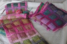 Ravelry: Sunita's Double Knit New Yorker with Woven Windows pattern by Loani Prior Tunisian Crochet, Crochet Yarn, Free Crochet, Double Knitting, Loom Knitting, Knitting Scarves, Baby Knitting Patterns, Stitch Patterns, Knitted Slippers