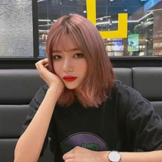 pinterest // efronxd Grey Hair Korean, Hair Inspo, Hair Inspiration, Pretty Short Hair, Ulzzang Hair, Gorgeous Hair Color, Air Dry Hair, Aesthetic Hair, Dye My Hair