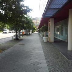 Hotel Berlin, Berlin arcades
