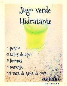 Jugo verde HIDRATANTE: pepino, apio, limones, naranja y agua de coco