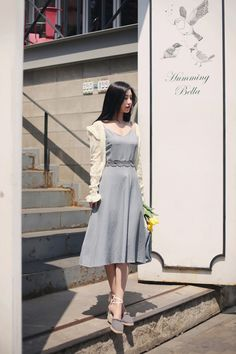 daily 2018 feminine& classy look. Korean Girl Fashion, Korean Fashion Trends, Ulzzang Fashion, Korea Fashion, Asian Fashion, Korean Dress, Korean Outfits, Modest Fashion, Fashion Dresses
