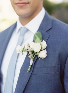 Photography: O'Malley Photographers - omalleyphotographers.com Groom's Attire: J. Crew - www.jcrew.com Floral Design: Valley & Co. - valleyandco.com Read More on SMP: http://www.stylemepretty.com/2016/01/11/elegant-coastal-chic-roche-harbor-wedding/