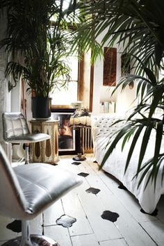 my scandinavian home: Eclectic boho London flat with a touch of rock n roll