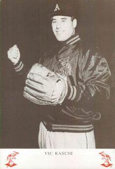 1955 Rodeo Meats Kansas City Athletics Premiums #19 Vic Raschi Front