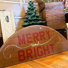 Christmas Signs, All Things Christmas, Christmas Presents, Merry Christmas, Different Fonts, Bee Theme, Antiques For Sale, Diy Signs, Merry And Bright