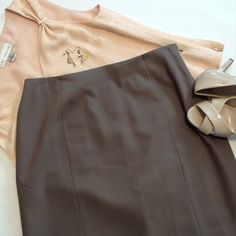 """Beautiful Talbots skirt Skirt is 98% wool / 2% spandex. Lining is 100% polyester. 29"""" length, 15"""" waist. Side zipper and button closure. Talbots Skirts A-Line or Full"""