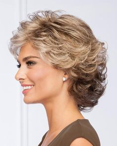 All-over loosely waved layers make styling this pretty, collar-length cut absolu. - - All-over loosely waved layers make styling this pretty, collar-length cut absolutely effortless. Short Hair With Layers, Short Hair Cuts For Women, Layered Hair, Wavy Layers, Medium Hair Styles, Curly Hair Styles, Gabor Wigs, Short Curly Hair, Curly Bob