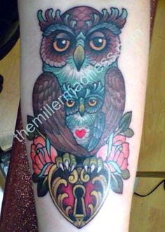 Represent love between mother and child. Use different/brighter, more saturated colors for owls. Baby Owl Tattoos, Mom Baby Tattoo, Mommy Tattoos, Classy Tattoos, Life Tattoos, Unique Tattoos, New Tattoos, Body Art Tattoos, Cool Tattoos