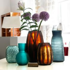 Explore the home decor by Guaxs and get excited about their unique interior design accessories. They will change the room atmosphere and have an effect on everything and everyone around them! With the sculptural silhouette and faceted surface, GUAXS designs remind on the contemporary art movement. Introduce artistic impact of GUAXS objects onto your tabletop and catch visitor attention through their striking forms. Interior Decorating, Interior Design, Home Decor Inspiration, Tabletop, Beautiful Homes, Contemporary Art, Glass Vase, Objects, Surface