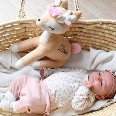 """Gefällt 123 Mal, 1 Kommentare - Baby & Kinder (@mikuliniii) auf Instagram: """"Naaa? Habt ihr das Wochenende gut verbracht? Unseres war definitiv zu kurz... Wir haben diese Woche…"""" Baby Kind, Onesies, Instagram, Cuddling, Kids, Babies Clothes, Jumpsuits, Baby Onesie"""