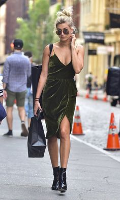 Style Notes: Ground the idea, like Hailey Baldwin, and combine a romantic velvet dress (hers is from Vatanika) with a pair of black booties. Hailey Baldwin Style, Sexy Summer Dresses, Fashion Models, Fashion Trends, Fall Trends, Minimal Fashion, Autumn Winter Fashion, Winter Style, Fall Winter