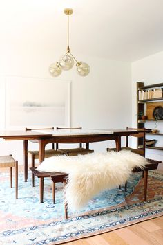 Midcentury modern dining room design // How to Design a Dining Room - 5 Easy Steps