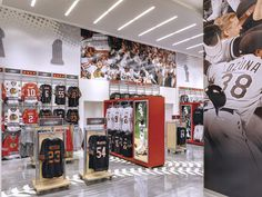 Chicago Sports Depot by Delaware North, Chicago store design