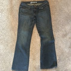 4 For $18 SALE  Bullhead Laguna Jeans Always ships within 24 hrs. Tag says 9, Fit like a size 8. Price firm unless part of sale. Bullhead Jeans Boot Cut