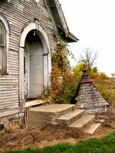 Noble County Schoolhouse, Indiana. What an amazing shot! I love abandoned historical buildings!