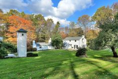 Boxwood Farm is that perfect combination of sophistication and country simplicity that together create a property without equal.  An original 1797...