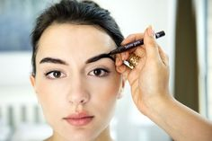 Want great brows with minimal effort? Here's how to fix any brow issue in a minute. The post Finally! How To Fix Any Brow Issue In 60 Seconds appeared first on Career Girl Daily.