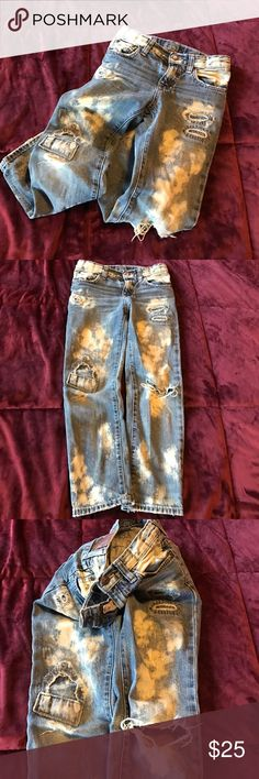 Ralph Lauren size 6 boys slim fit  jeans This has by far been the best purchase for my son. Goes with everything!! Paid a lot for these but these are pre loved and shows wear on the knees. Still looks great on as it is!! Slim fit. Ralph Lauren Bottoms Jeans