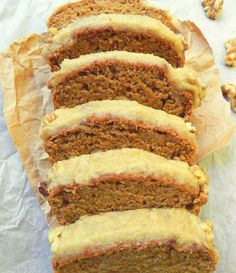 Healthy Vegan Carrot Cake with Cream Cheese Icing. Not G/F but can modify and the 'cream cheese' icing recipe sounds good!
