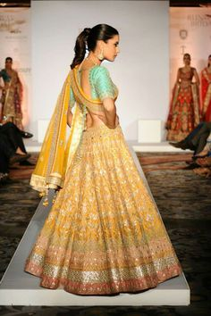 Everything related to indian fashion; whether it be bridal or casual. Indian Bridal Wear, Indian Wear, Bridal Mehndi, Mehendi, Indian Dresses, Indian Outfits, Indian Clothes, Lehenga Designs, Costume