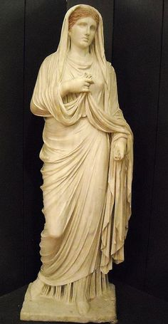 Estatua de la sacerdotisa Eumaquia (edad Tiberian) - desde Pompeya - Museo Arqueológico de Nápoles .: