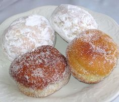 A baked pączki recipe (Polish doughnuts) lower in fat than the ones fried in hot oil. Pączki are eaten on Fat Tuesday in America and on Fat Thursday in Poland.
