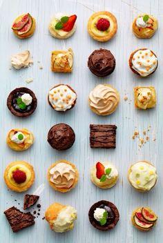 #HLo-Tips: Canapés diversos para ocasiones informales revólver dulces y salados, y colocarlos de manera desordenada.