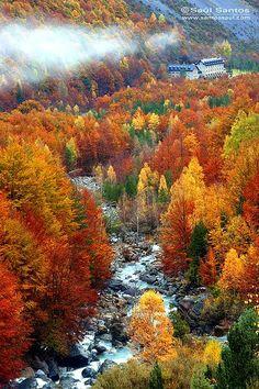 Fall of the valley, Pirineos, Ordesa y Monte Perdido National Park, Spain